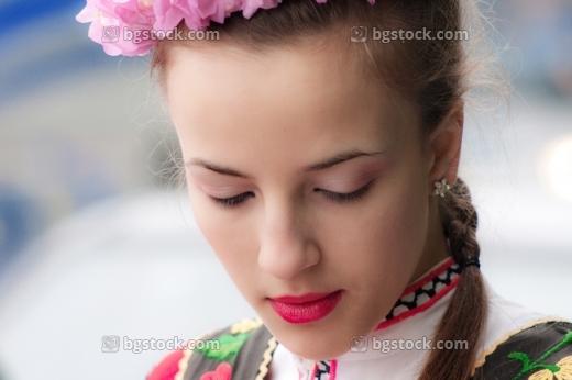 Снимки на обичаи и празници в България