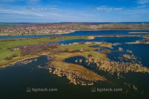 http://www.bgstock.com/static/preview2/stock-photo-zaschitena-mestnost-yatata-ot-dron-12762.jpg